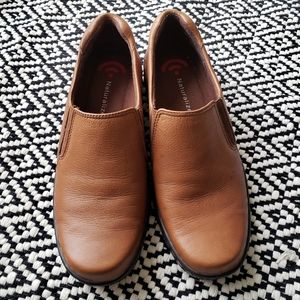 Naturalize brown size 6.5 women's shoes